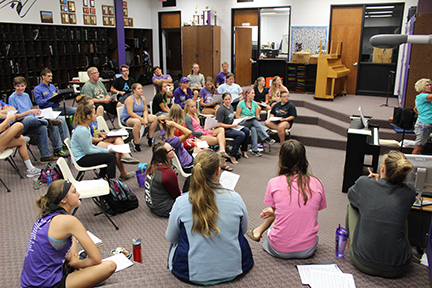 Cast learns new music from Oklahoma